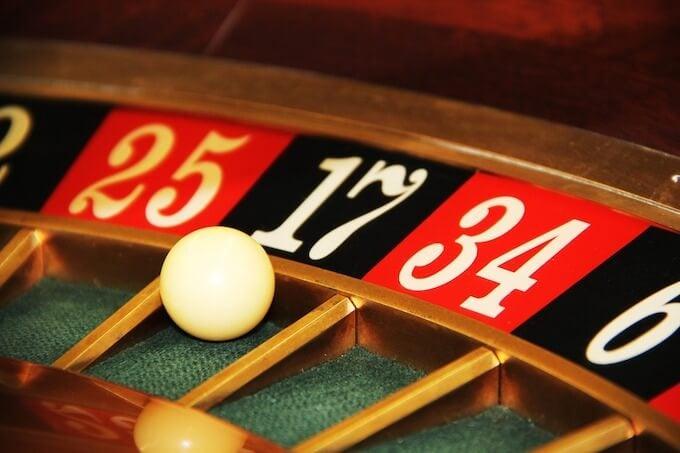 カジノゲームは運もある