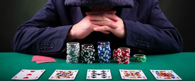 ポーカー初心者が犯すミステイクとは